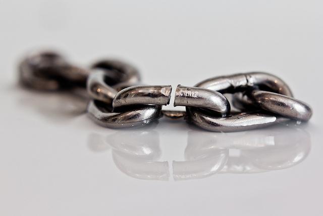 weakest-link--Hernan-Pinera